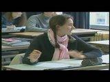 François l'embrouille à l'école en étudiant
